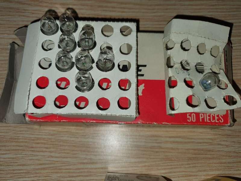 Imagen producto Súper Lote de 235 Unidades De Bombillas Distintas 2