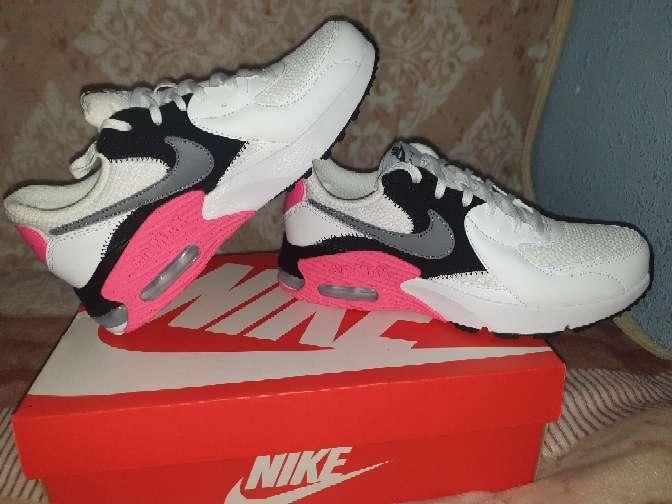 Imagen producto Zapatillas de mujer  2