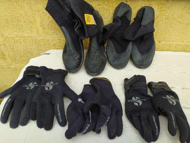 Imagen se venden escarpines y guantes