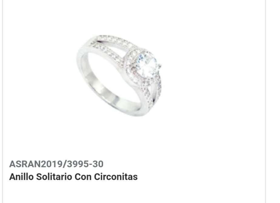Imagen Anillo Solitario con Circonitas.