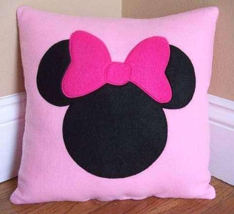 Imagen cojín Minnie mouse