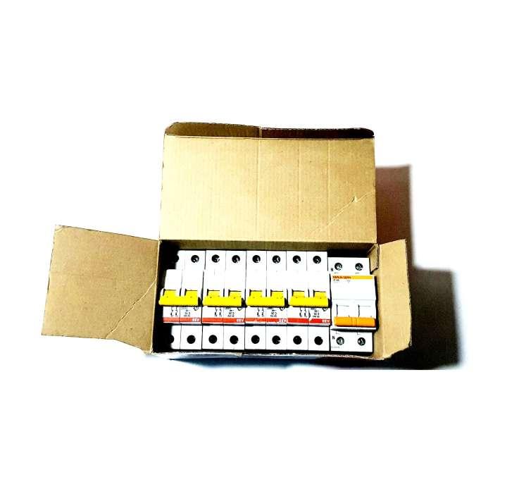 Imagen Lote De 5 Interruptores Automáticos