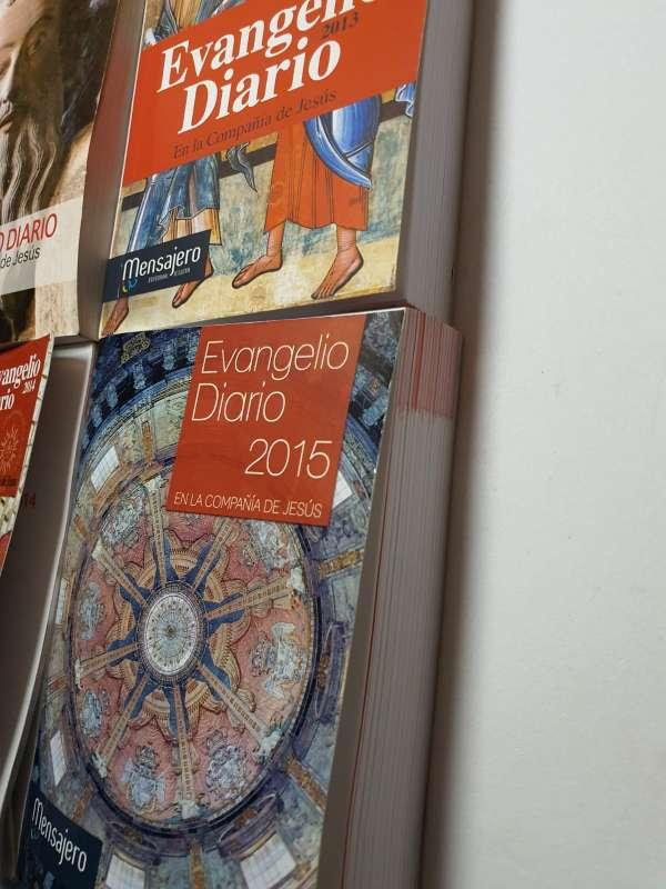 Imagen producto Lote De 4 Libros, Evangelio Diario Anual 2