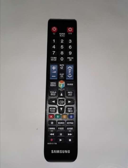 Imagen producto Tv sangsum 40p 3D 4