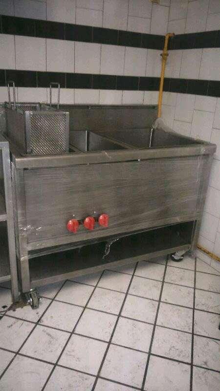 Imagen producto Equipo mobiliario para cocinas industriales 2