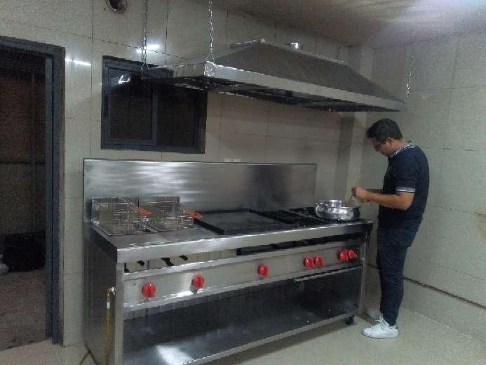 Imagen producto Equipo mobiliario para cocinas industriales 6