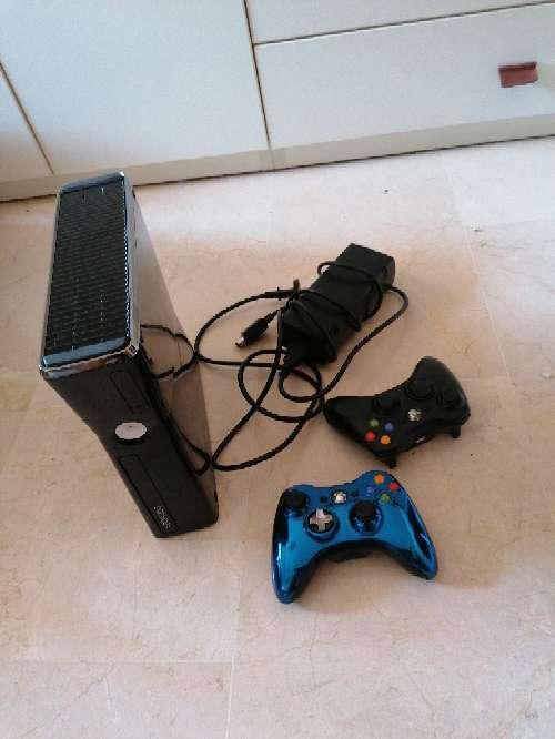 Imagen producto Xbox 360 dos mandos 1