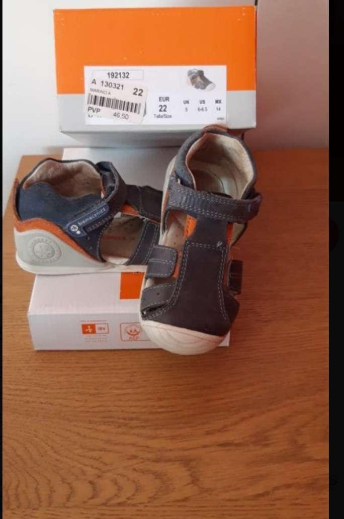 Imagen sandalias de bebe