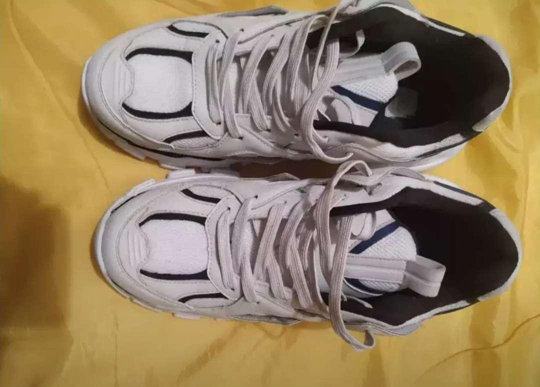 Imagen zapatos de hombre talla 40 Bershka