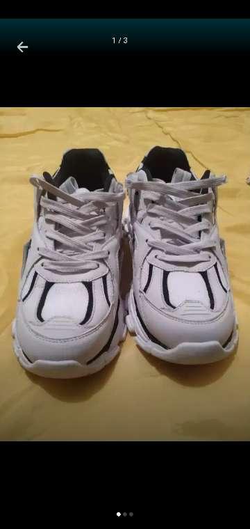 Imagen producto Zapatos de hombre talla 40 Bershka 3