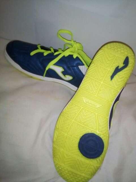 Imagen zapatos de futbol sala