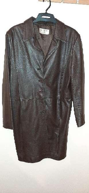 Imagen producto Lote de chaquetas y una falda 3