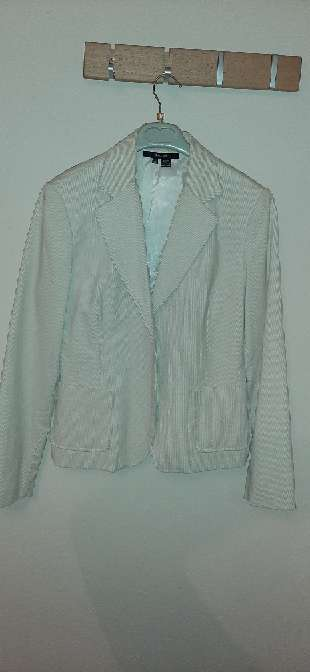 Imagen producto Lote de chaquetas y una falda 6