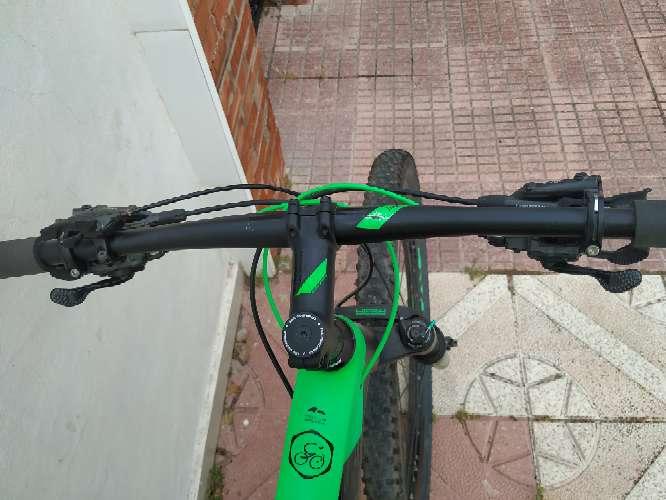 Imagen producto BICICLETA Montaña carbono CUBE 7