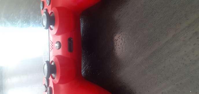 Imagen producto PS4 1TB + mando casi nuevo + 8 juegos 4