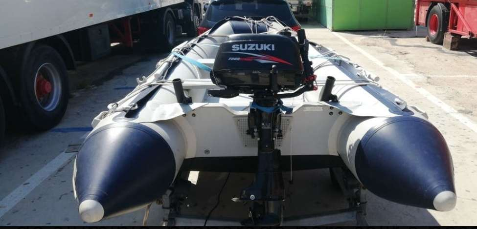 Imagen producto Zodiac 380 preparado para salir a pescar 3