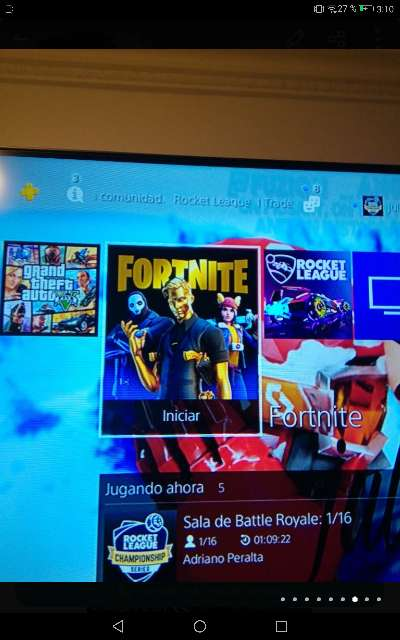 Imagen producto PS4 pro seminueva con mando, juegos y cables 5