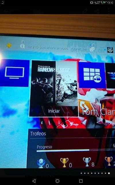 Imagen producto PS4 pro seminueva con mando, juegos y cables 4