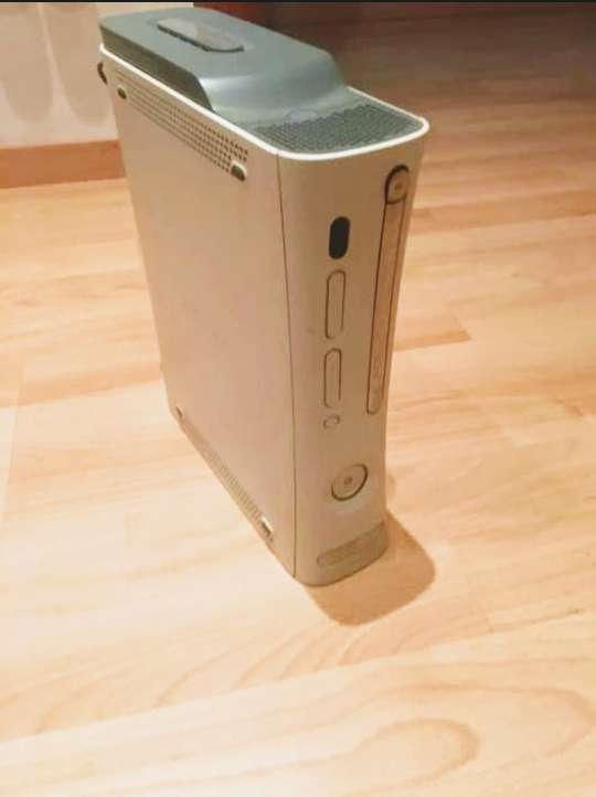 Imagen xbox 360 + 7 juegos
