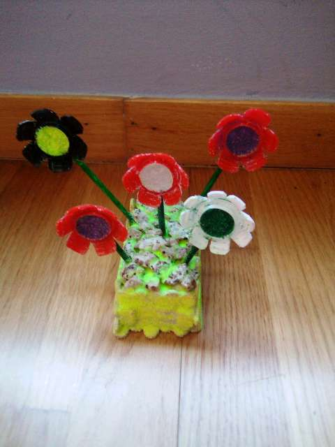 Imagen flores con maceta