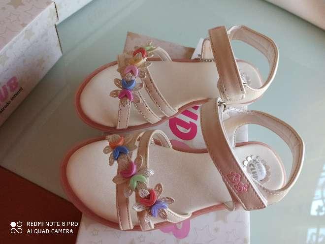 Imagen producto Sandalias blancas t. 29 y 33 5