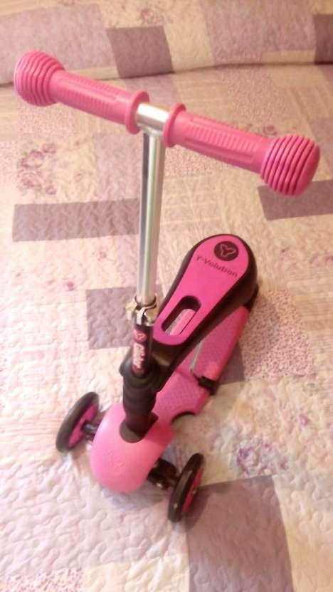 Imagen patinete de 3 ruedas para niñas