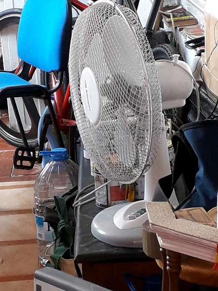 Imagen tele de 37 pulgada ventilador y bici