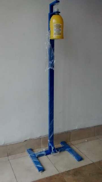 Imagen Dispensador de pedal para gel, Alcohol y jabón