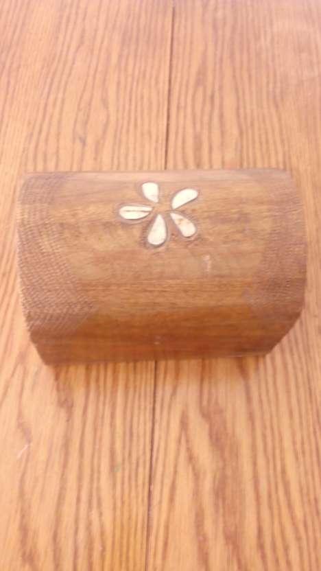 Imagen baúl de madera de palmera, de las islas maldivas!!