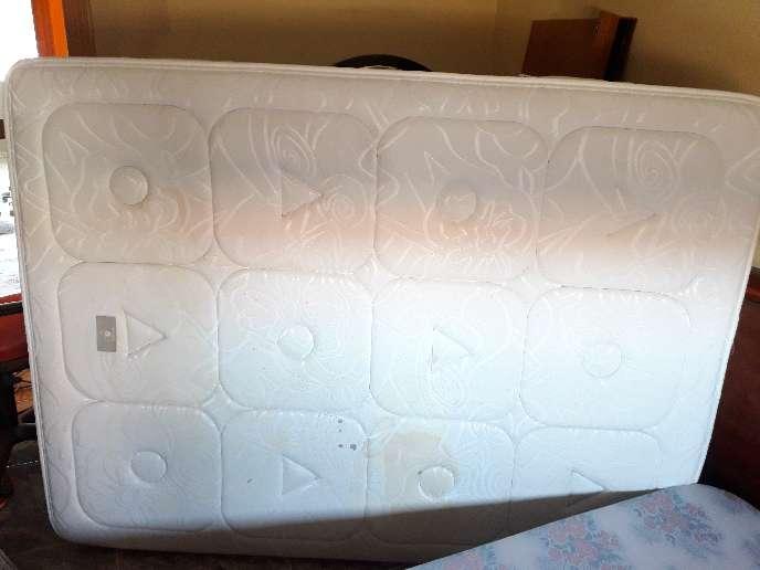 Imagen producto Colchón grueso NEGOCIABLE viscoelástico 135x180  3