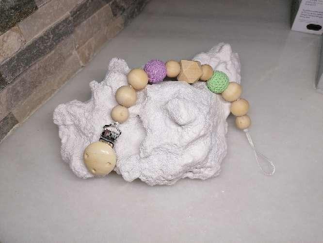 Imagen Chupetero en madera y crochet