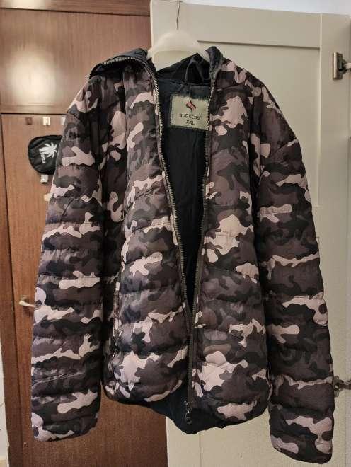 Imagen producto Chaqueta de camuflaje con hoodie hombre 2
