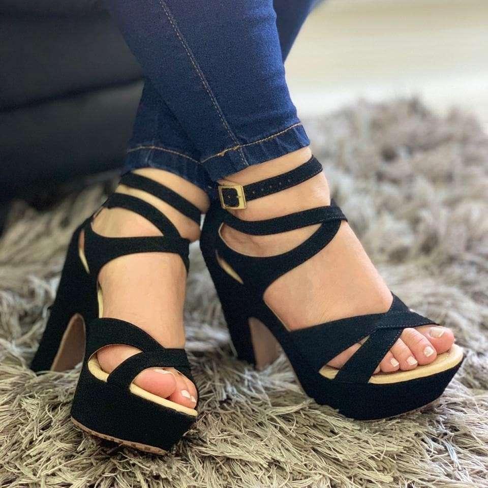 Imagen venta de calzado para dama