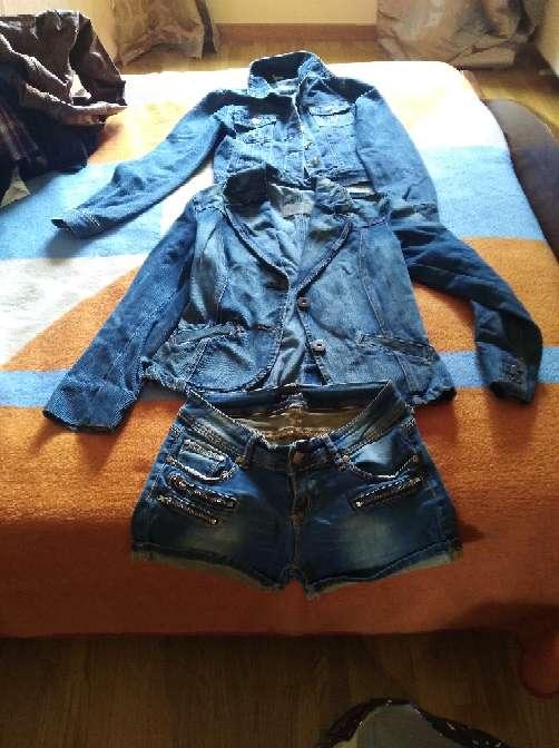 Imagen Chaquetas y pantalon corto