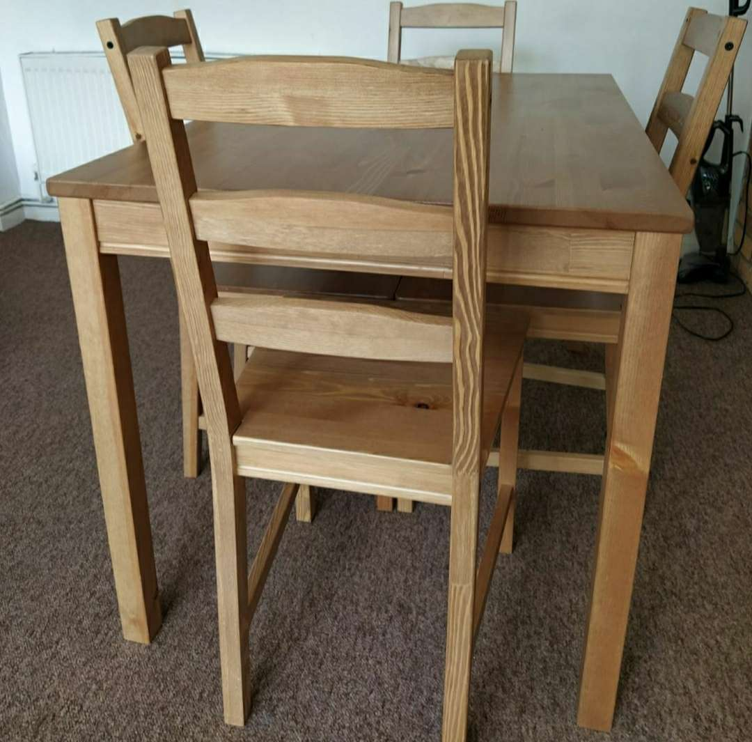 Imagen producto Table and 4 chairs 2