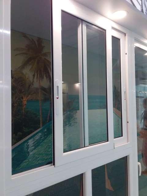 Imagen Espejos y puertas en vidrios y aluminio