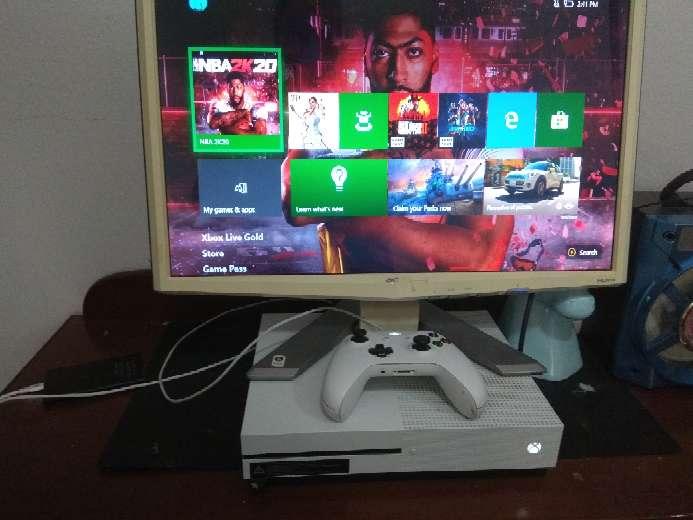 Imagen producto Xbox one S vendo o Cambio 2