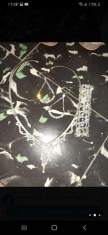 Imagen conjunto collar