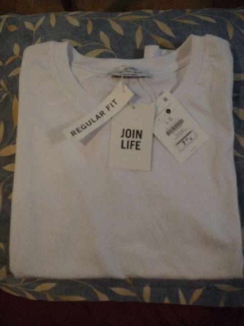 Imagen camiseta regular fit blanca Berska