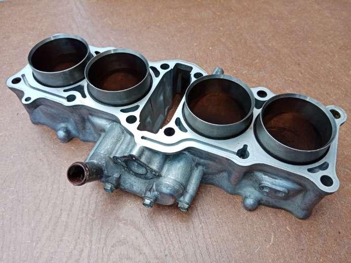 Imagen Honda cbr 600 f1 cilindro