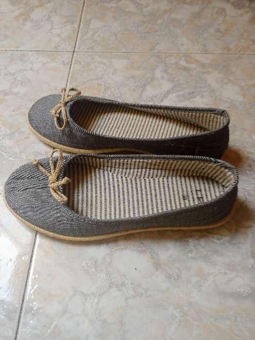 Imagen Zapatos estilo bailarinaa
