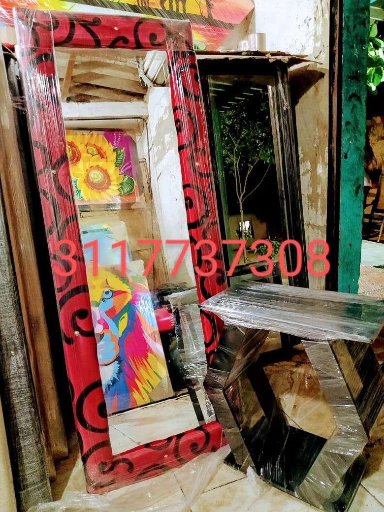 Imagen producto Espejo tapizado con mesa  2