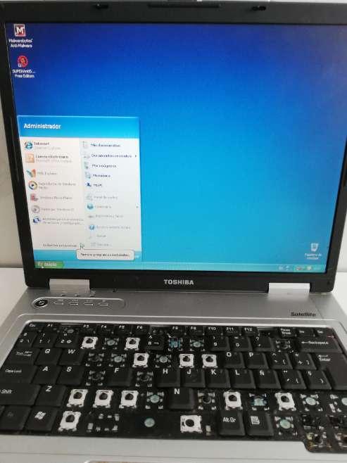 Imagen producto Ordenador Toshiba para piezas o para arreglarlo  3
