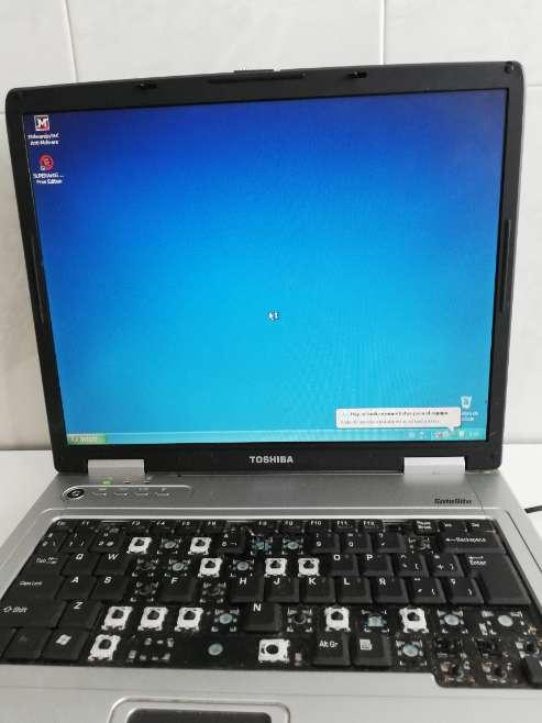 Imagen producto Ordenador Toshiba para piezas o para arreglarlo  7