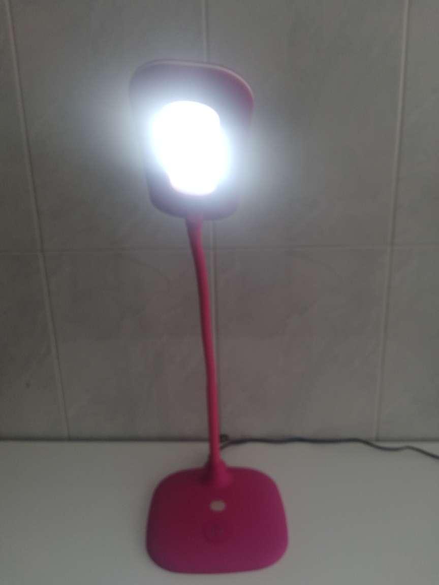 Imagen producto Lámpara de mesa con Led flexible  5