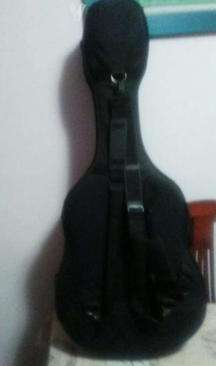 Imagen producto Guitarra clásica marca amplificada. O cambio  6