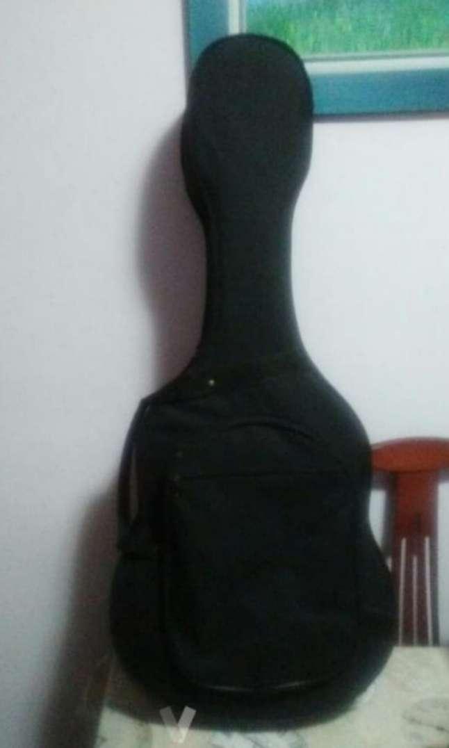 Imagen producto Guitarra clásica marca amplificada. O cambio  5