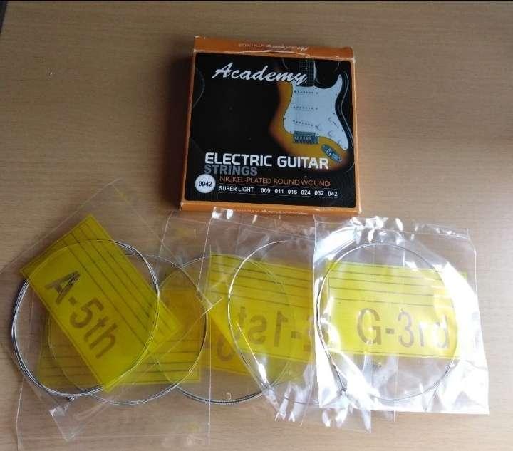 Imagen Juego de cuerdas para guitarra eléctrica.