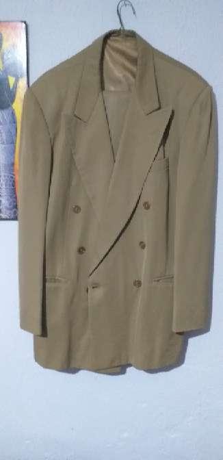 Imagen Saco y pantalon color beige