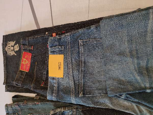 Imagen lote 6 pantalones vaqueros 3 nuevos y 3 usados en buen estado